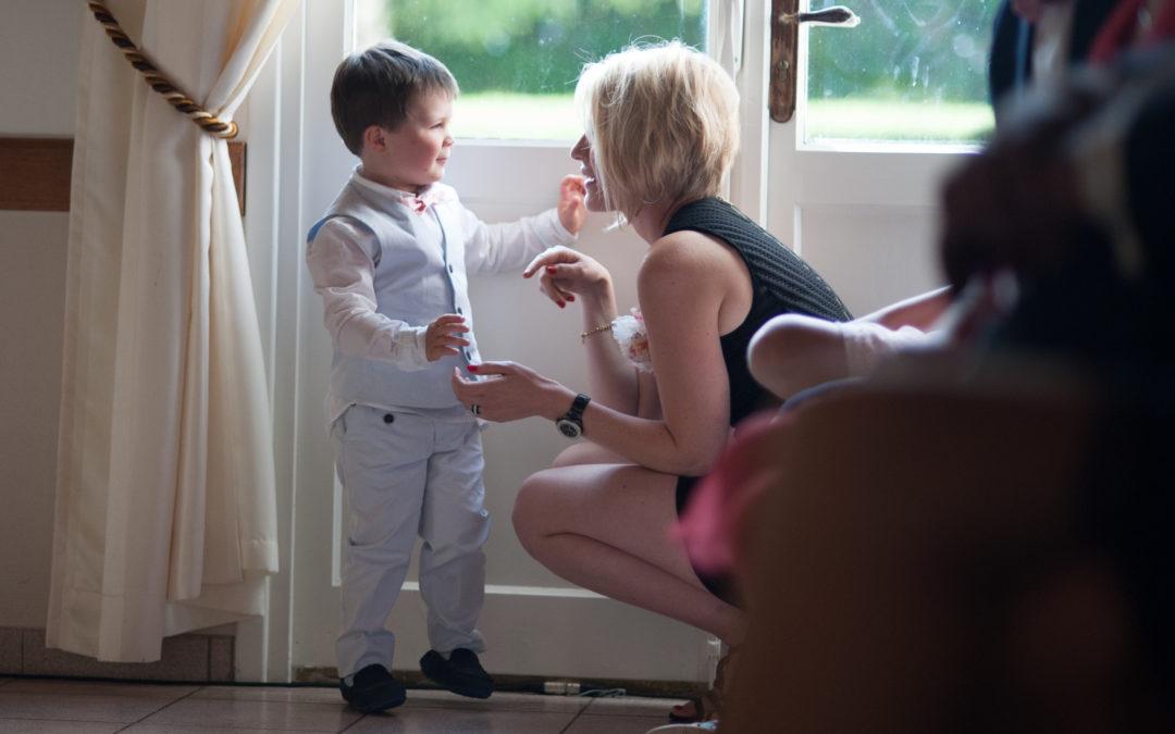 Gérer les émotions des enfants lors de la cérémonie laïque